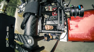 MoVI Operator Sam Nuttmann - Los Angeles - Klassen Slingshot - film, movie - overhead shot from truck